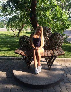 Девушка приглашает парней попасть в страну чудес? Улан-Удэ